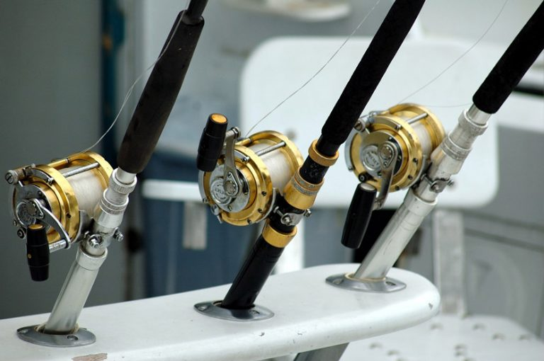 how to clean your fishing gear